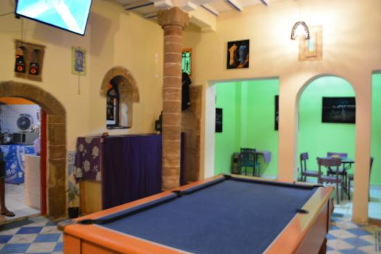 Dar El Pacha: A 60's English pub