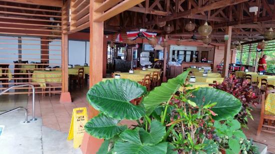 Hotel playa bonita. Lindo amanecer en la playa y con vistas al mar caribe