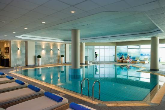 Mediterranean Beach Hotel: Indoor Pool