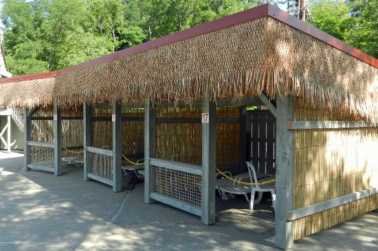 Zoom Flume: Private Shaded Cabanas