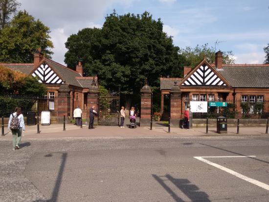 Botanical Gardens main entrance, Gt Western Road ...