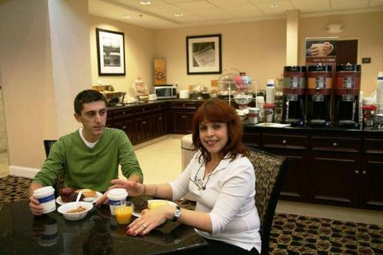 Hampton Inn & Suites Jacksonville-Airport: Restaurant