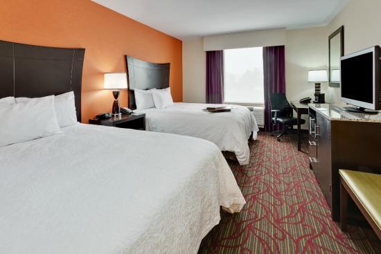 Hampton Inn Seneca Falls : 2 Queens Guestroom