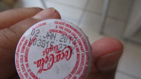 Fonyod, Ungarn: 1 ev és 8 hónapja lejárt coca cola egyenesen a minibarból...