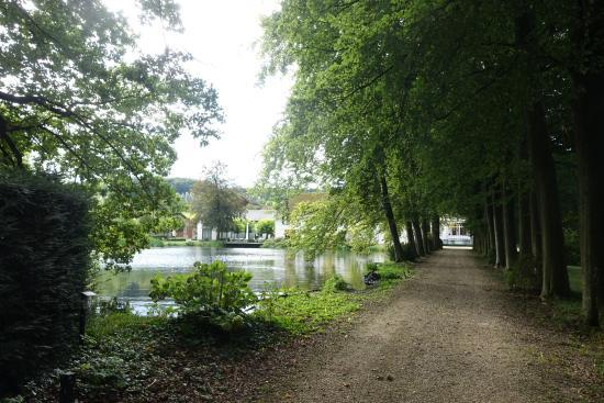 Fouron-le-Comte, เบลเยียม: einer der Seen im Schloßpark