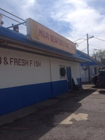 ‪M&R Seafood and Takeout‬