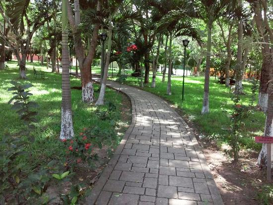 Gracias, Honduras: En comunion con la naturaleza