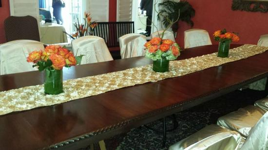 Cedar House: wedding table setting in main dining room
