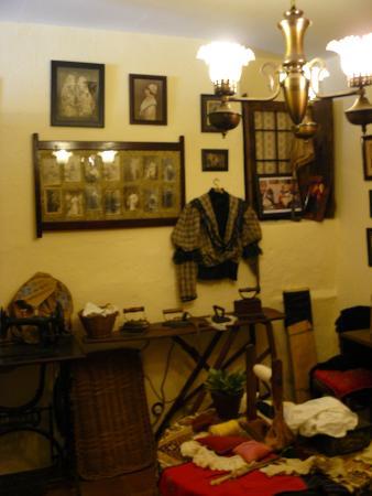 Casa del Arte Mayor de la Seda: Sala de costura