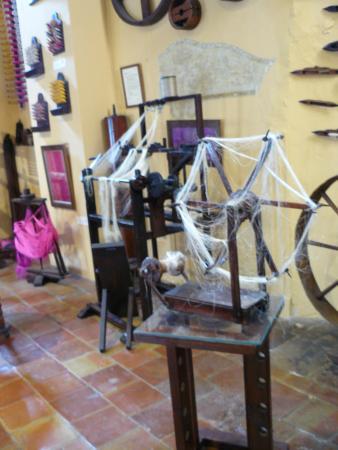 Casa del Arte Mayor de la Seda: Trabajando la seda