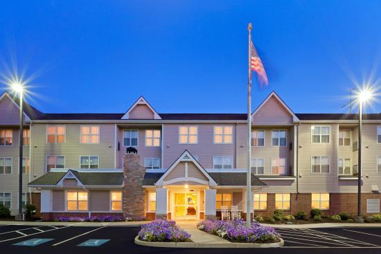 Residence Inn Boston Dedham : Exterior of Hotel