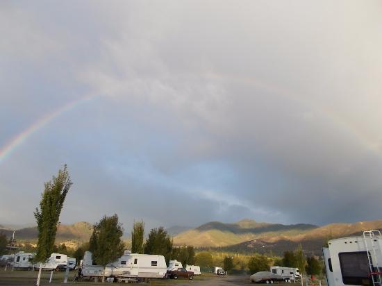 Yreka RV Park : Sunrise rainbow