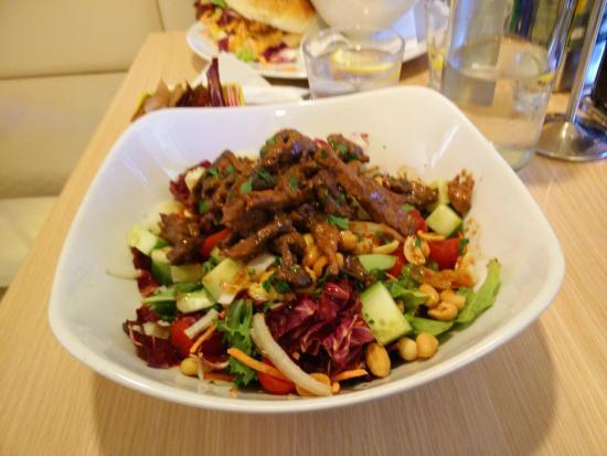 Jalie's Coffee: salade thaie
