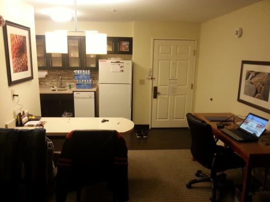 Staybridge Suites Dallas-Las Colinas Area: Livingroom