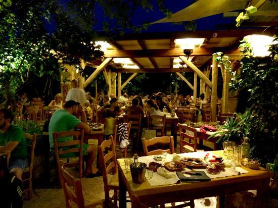 Kaliviani, Grecia: Gramboussa