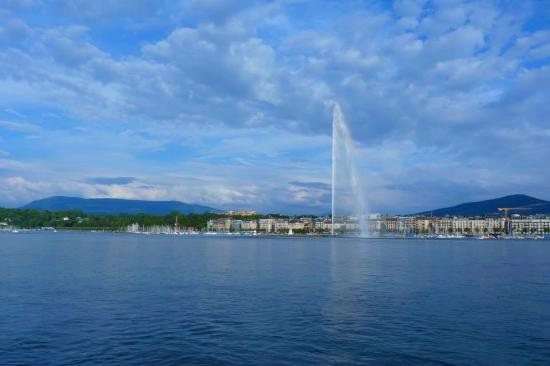 Lac L 233 Man Picture Of Lake Geneva Geneva Tripadvisor