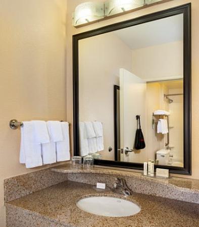 Modesto, Califórnia: Suite Bathroom Vanity