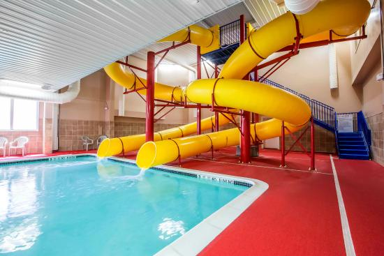 Comfort Inn & Suites: Ny Pool