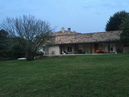 Cottage picture of chambres d 39 hotes saint emilion for Chambre d hote st emilion