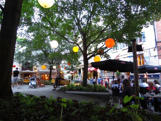 Theatre Petit Champlain: Courtyard