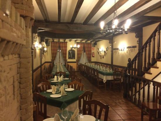 Comedor planta superior salas de los infantesbar for El salas restaurante