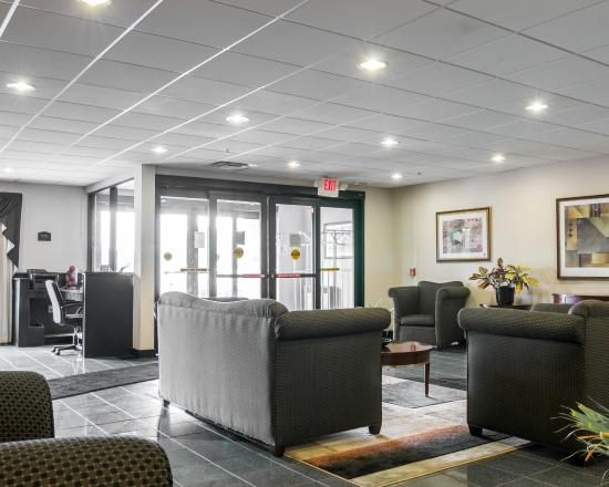 Comfort Suites Wixom: Mi Lobby