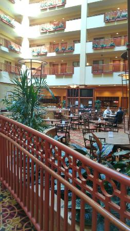 Embassy Suites by Hilton St. Louis St. Charles: Embassy Suites by Hilton St. Louis - St. Charles
