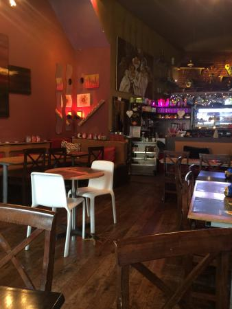 La Cafetiere: La cafate in the night