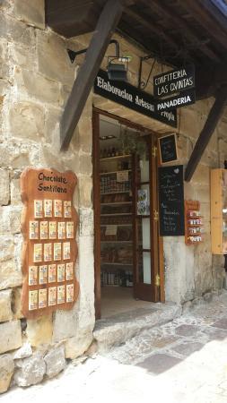 Confitería y Panaderia Las Quintas
