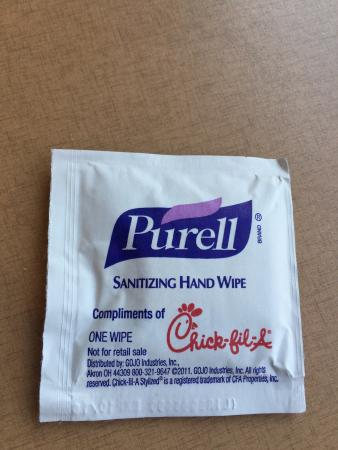 WOW!! A fast food rest  With free hand sanitizing wipes A clean