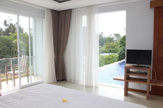 Good Blooming Lotus Yoga: Master Bedroom View Nice Look