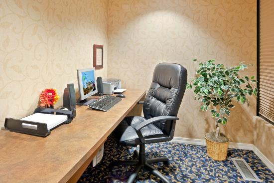 Holiday Inn Express Yakima: Business Center