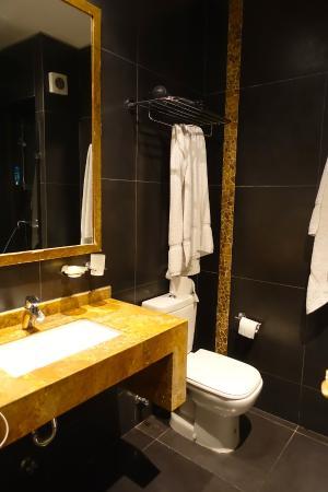Mito Casa Hotel: Badezimmer