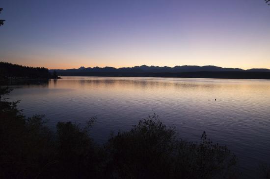 Kitsap Memorial State Park : Water at sunset