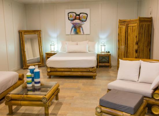 Hotel Plaza Yara: room