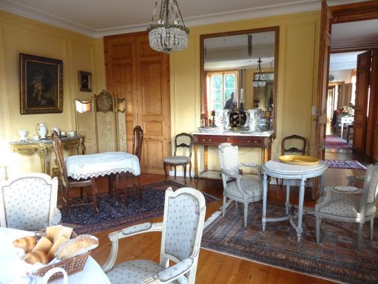Chateau de Lannuguy : La salle des petits déjeuners