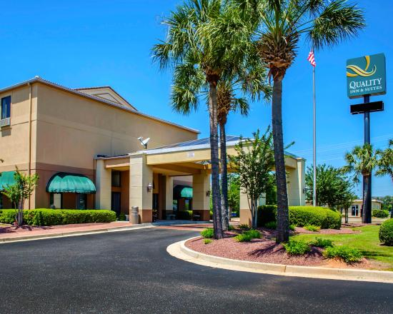 Photo of Quality Inn & Suites Mobile