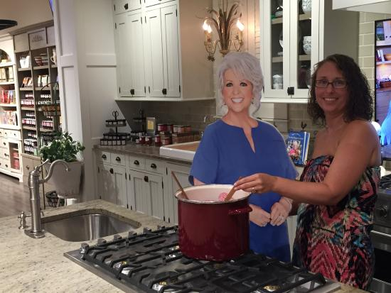 Paula Deen39;s Family Kitchen: Cooking with Paula Picture