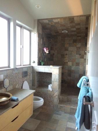 Christopher Joyce Vineyard and Inn: Bathroom