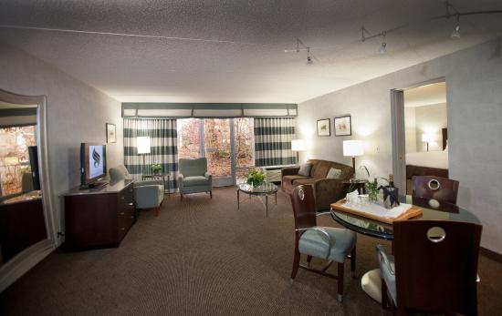 Somerset Inn: Garden Suite
