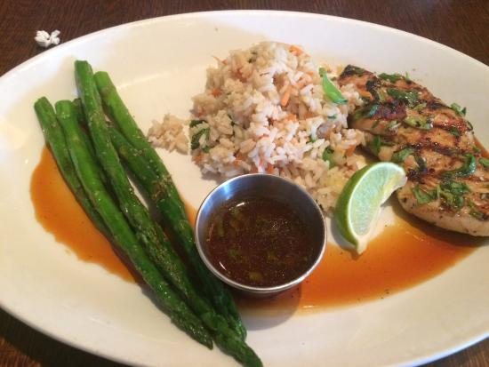Houlihan's: Thai Chicken Lunch Entree