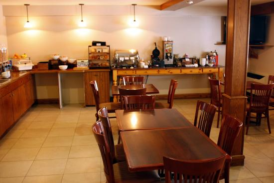 Country Inn & Suites By Carlson, Saskatoon, SK: Breakfast Area
