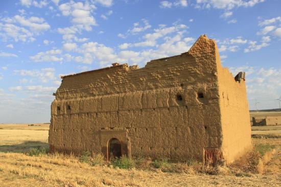 El Palacio de Monfarracinos: Alrededores del hotel
