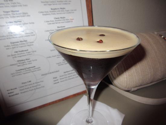 Aventura Bar: Try it with dark rum not vodka ......👌🏻👌🏻