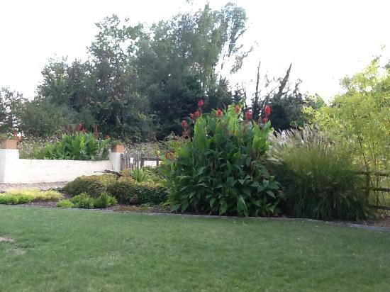 Descartes, فرنسا: Garden is stunning