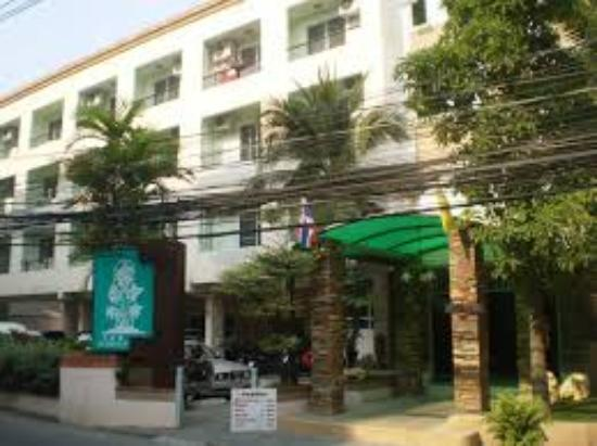 V m terrace apartment updated 2017 reviews pattaya for Use terrace in a sentence