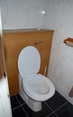 Hotel 65 : wc
