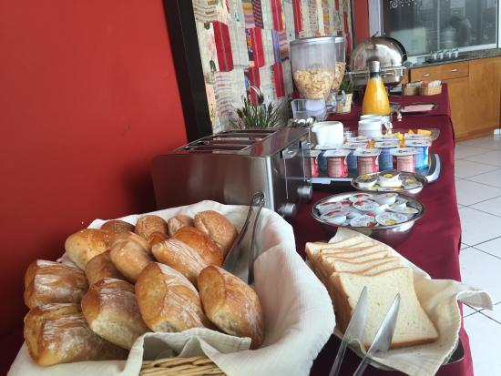 Hotel Runcu Miraflores: Desayuno