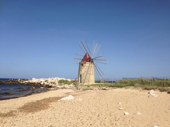 I Mulini Resort: vista dalla spiaggia ok ma poi sorprese...