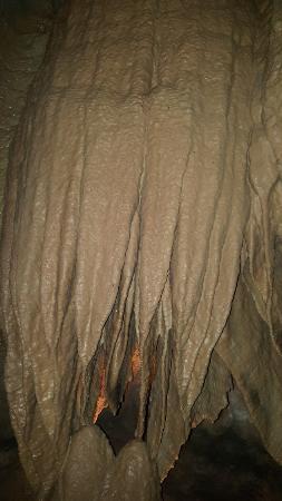 Noel, MO: Bluff Dweller's cavern